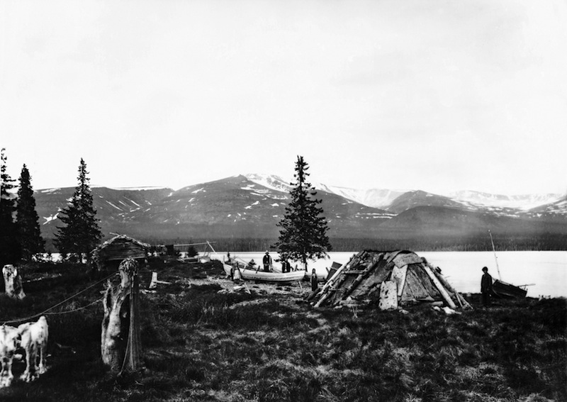 Eastern Sámi family camp in Seitsul Island, Kola Peninsula, in late 1800s. Photo: Courtesy of the Snowchange Co-op, 2014