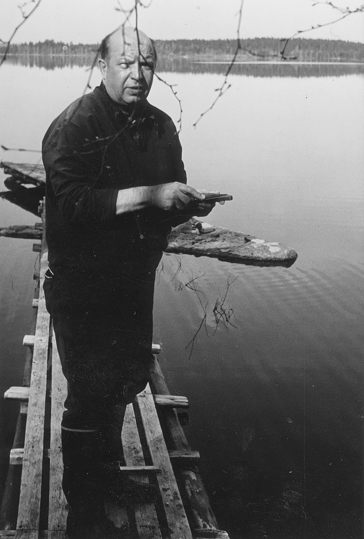Late Voitto Mustonen, fisherman, one of the Finnish Elders whose living legacy is the central component of the work. Photo: Snowchange, 2014.