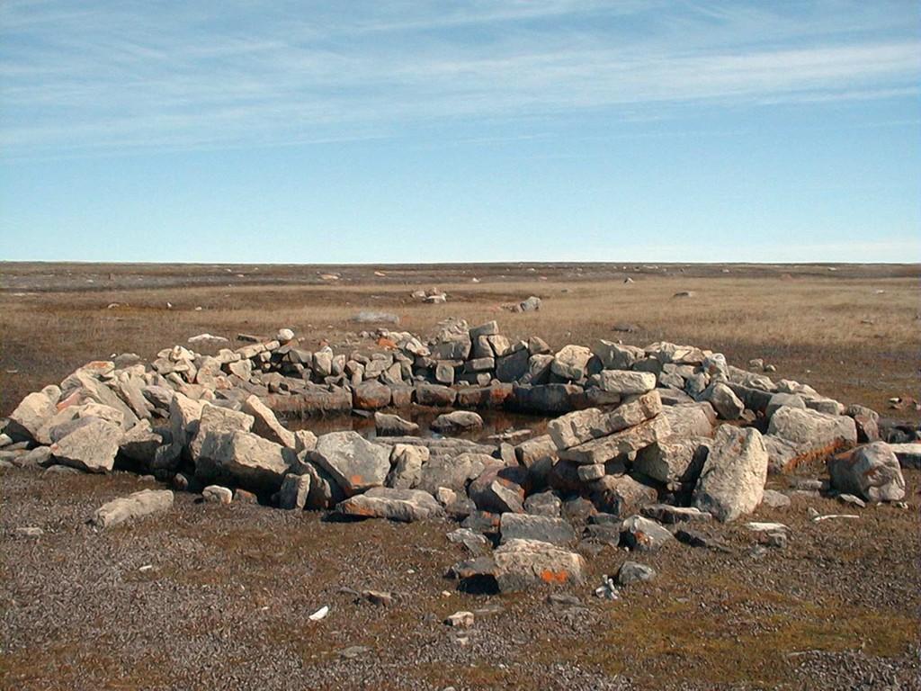 Ungalujat rock formation close to Igloolik, Photo: John MacDonald